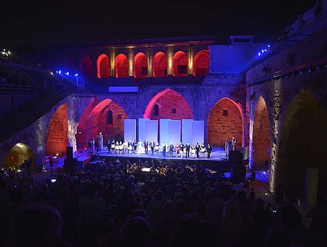 חצרות האבירים בעיר העתיקה של עכו