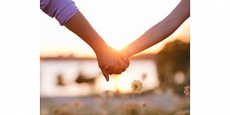 אהבה עברית – דבר אלי בפרחים