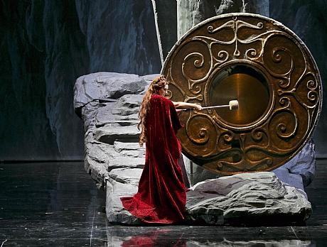 מתוך האופרה הפותחת 'נורמה'