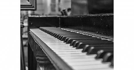 הפסנתר והתזמורת